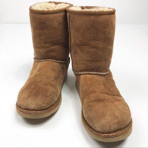 UGG Chestnut Classic Short ll Boot